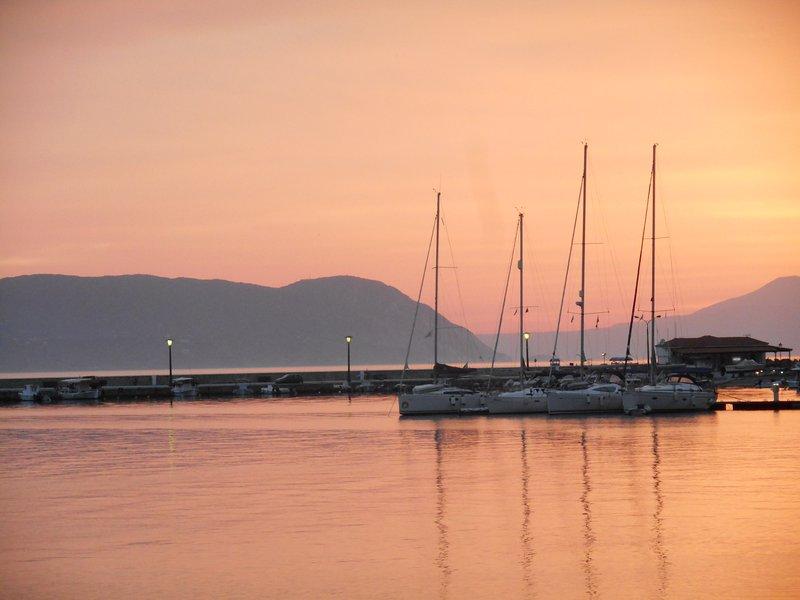 Le port au coucher du soleil