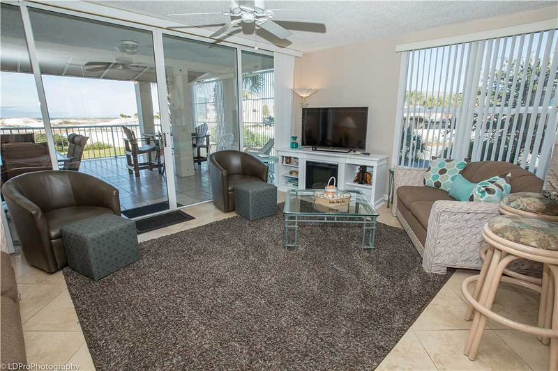 Chair,Furniture,Deck,Porch,Couch