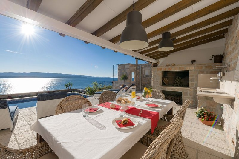 Luxury Villa Murvica, with a swimming pool, in Murvica on the island of Brac