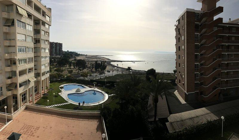 14 Apartamento urbanización de lujo, vacation rental in Sant Joan d'Alacant