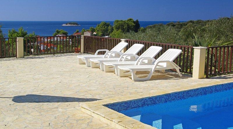 Casa de vacaciones con piscina Zen, cerca de Vela Luka, en la isla de Korcula