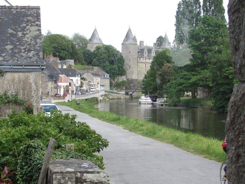 O castelo - Josselin View from Les Pieds dans l'Eau