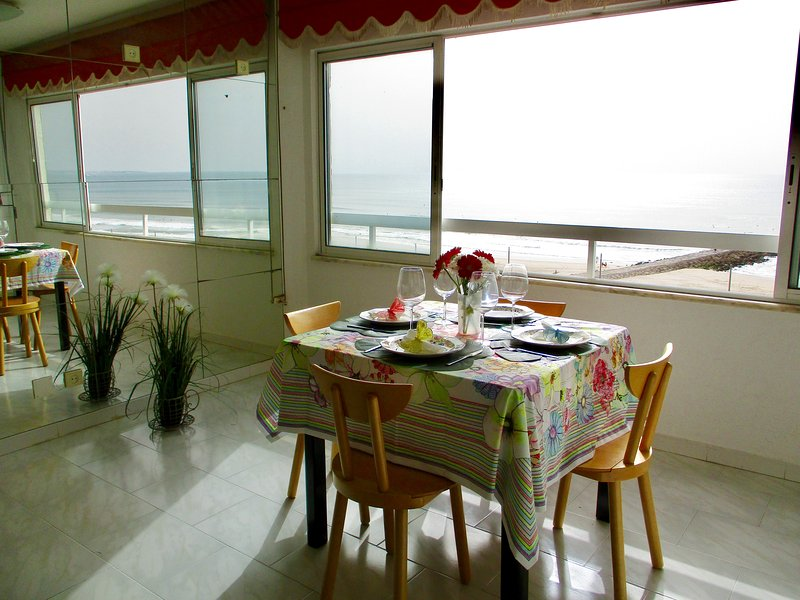 Stunning sea view and Lisbon, vacation rental in Costa da Caparica