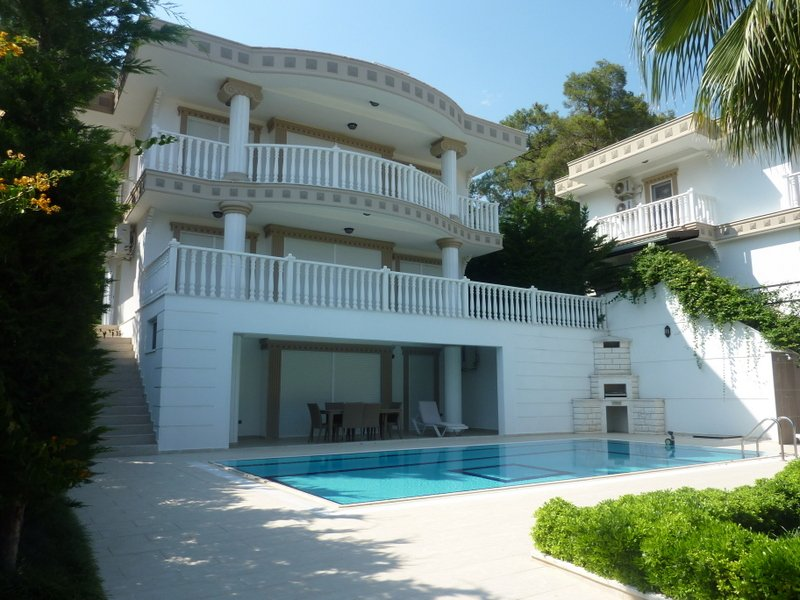 Luxery villa with private pool – semesterbostad i Kemer