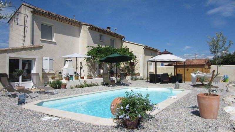 MAS PROVENCAL AU COEUR DES VIGNES, vacation rental in Carpentras