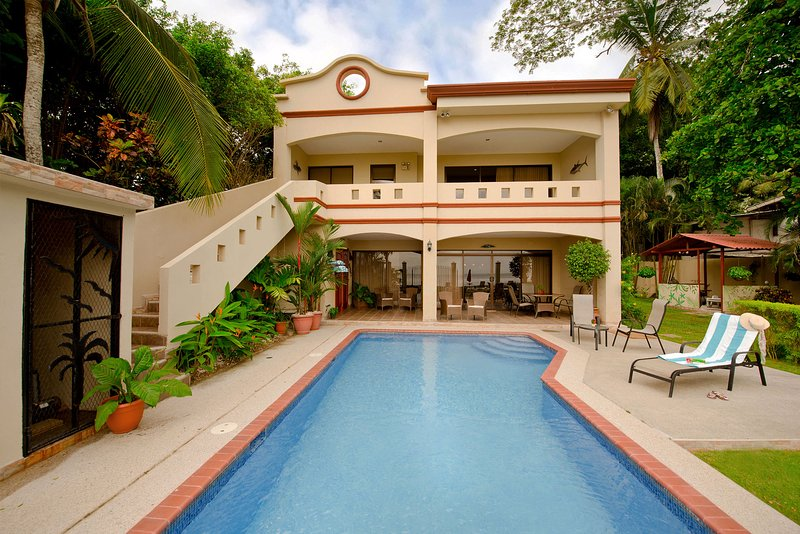 5 Bedroom Jaco Beach Luxury Oceanfront House - Casa Rio Mar, vacation rental in Jaco