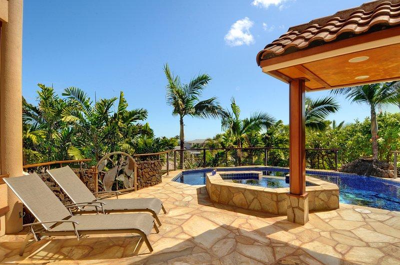 piscine chauffée privée avec douche extérieure