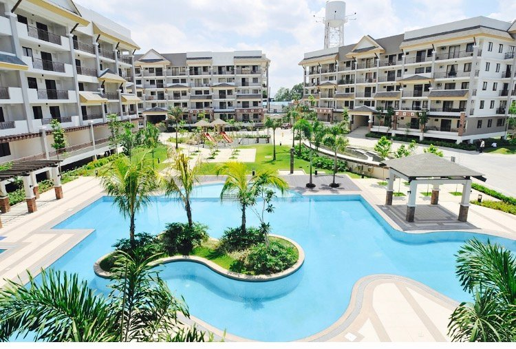 Luxurious Furnished 2 Bedroom Condo Unit for Rent, vacation rental in Binangonan