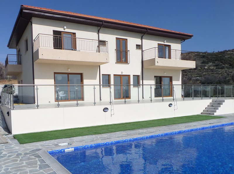 Agora Villa - modern rural 5 bedroom Villa with private pool, holiday rental in Pano Platres