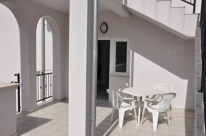 Apartments in Lopar 'Maja'. Lopar 156, Maja Ivče., holiday rental in Lopar