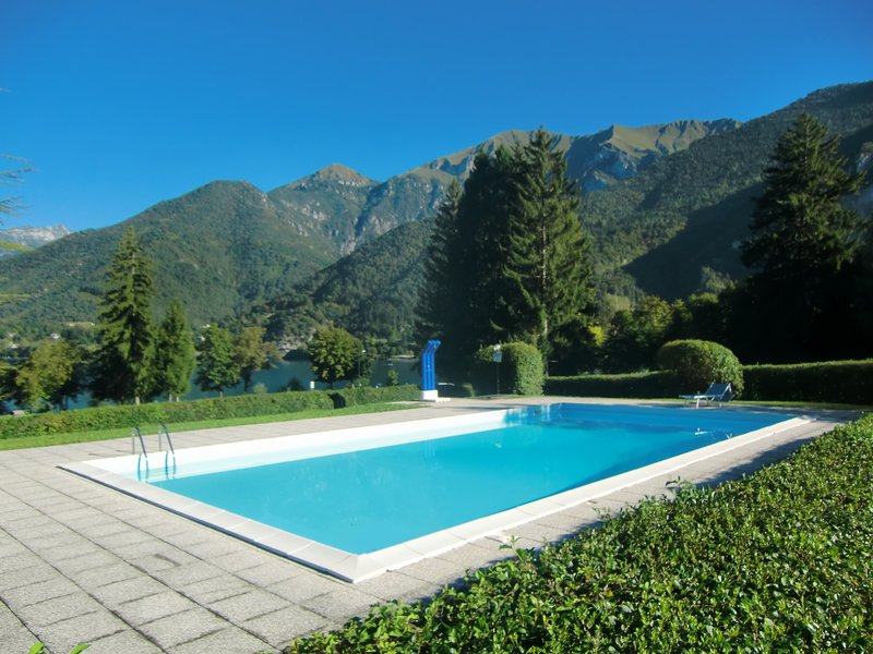 The swimming pool of the residence Belvedere