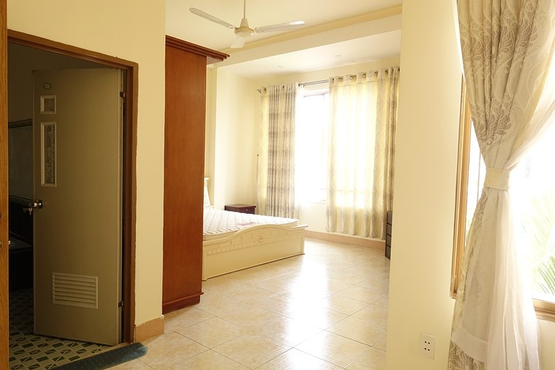 Luxury room with 3 side full of windows, holiday rental in Ho Chi Minh City
