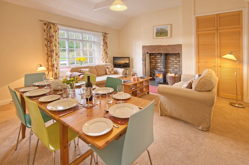 Skylark Cottage, pet friendly farm cottage outside Berwick-upon-Tweed, casa vacanza a Paxton