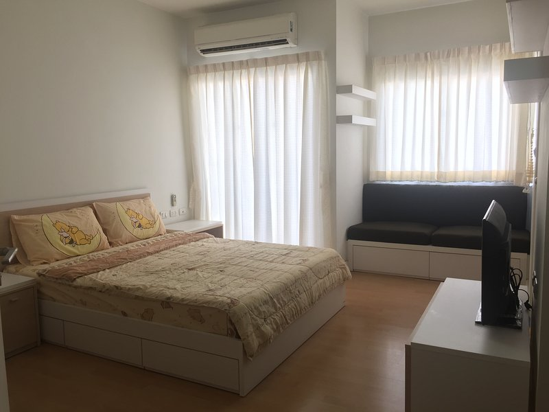 Apartment for rent in downtown Bangkok, vacation rental in Lat Phrao