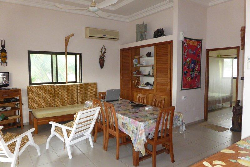 Villa entiere 2 chambres, à bord de mer à Grand Popo au Benin, vacation rental in Vogan