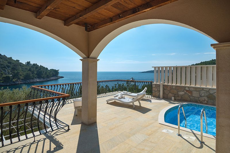 Luxury Villa Korcula Magnificent with pool and Jacuzzi at the beach