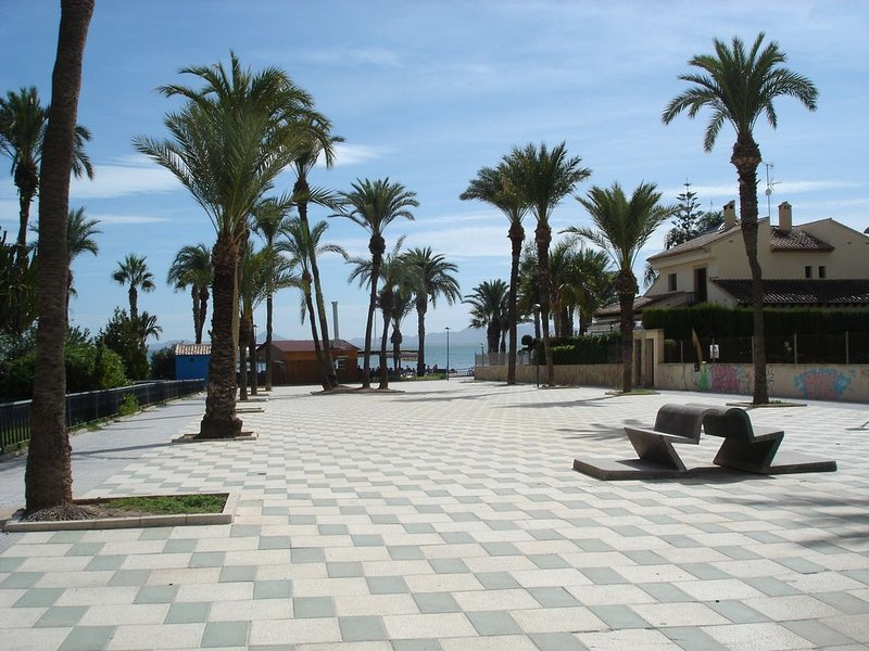 Walk to the beach from The Square