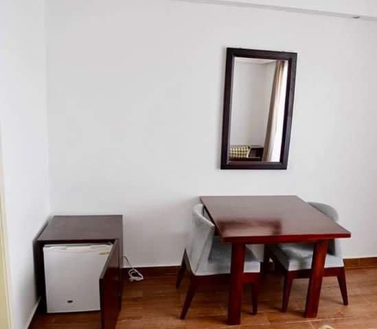 STUDIO MEUBLE HAUT STANDING, location de vacances à Libreville