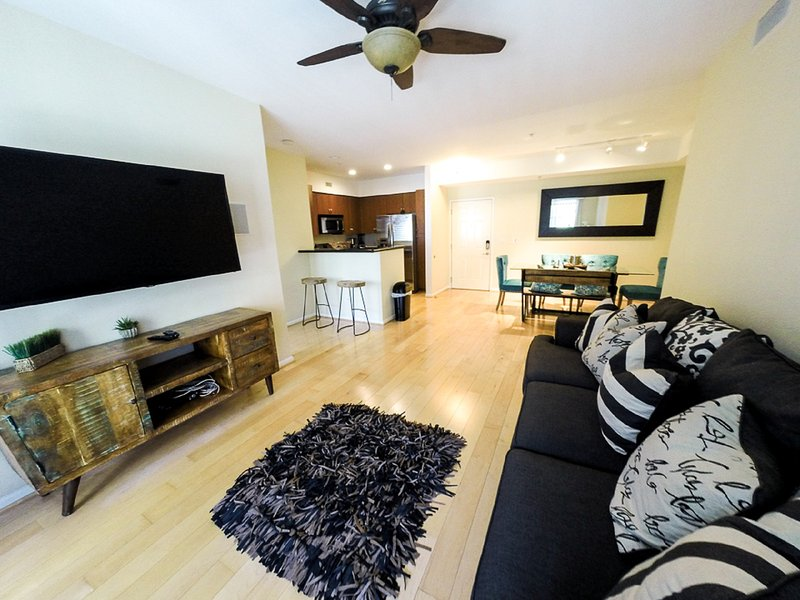 *HUGE DEAL*Beautiful Furnished Property Near Disney, holiday rental in Villa Park