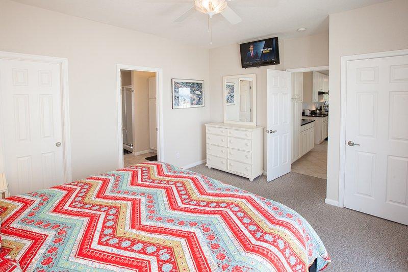 Chest,Drawer,Furniture,Cushion,Home Decor
