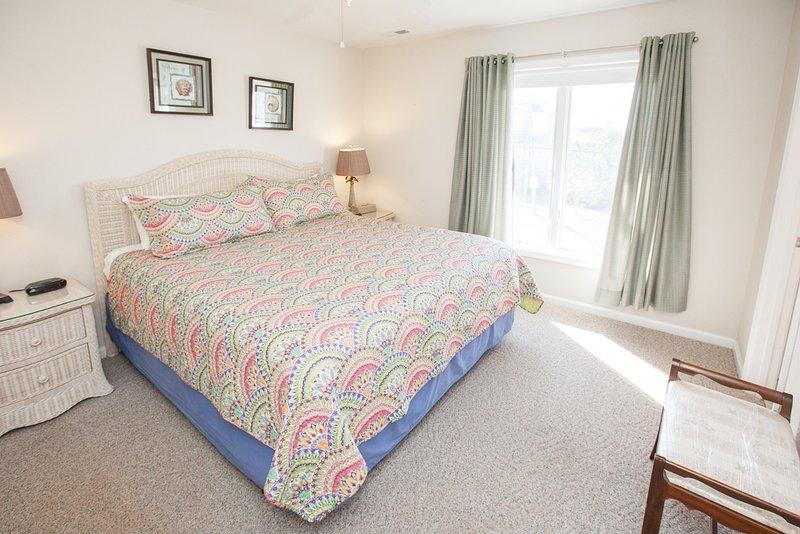 Linen,Bed,Bedroom,Furniture,Chair