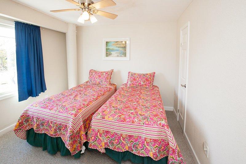 Bedroom,Indoors,Room,Art,Cushion