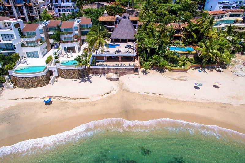 Villa Verde is gelegen op een geweldig zandstrand dat is niet al te druk en het water is duidelijk!