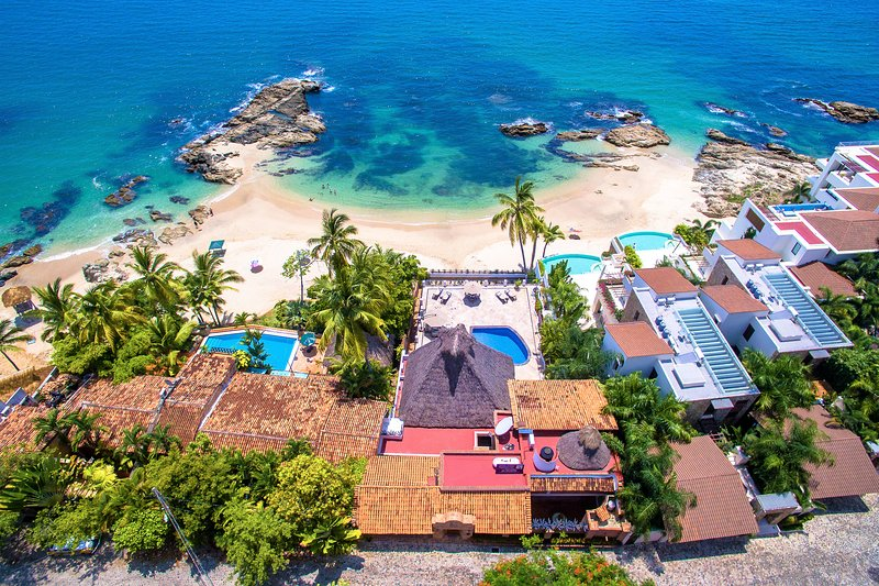 View from above - we are the property with the big palapa!
