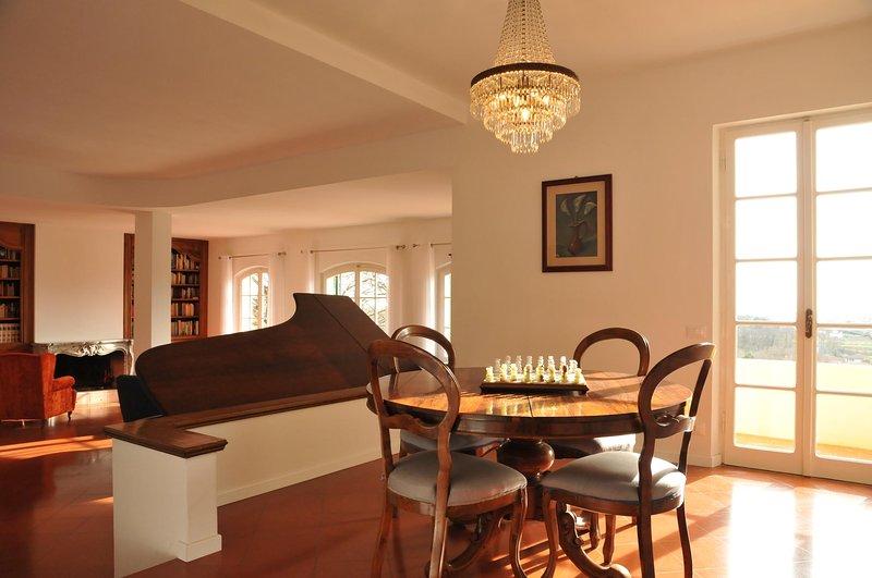 Collina del Sole - Térreo, sala de estar com janelas no terraço