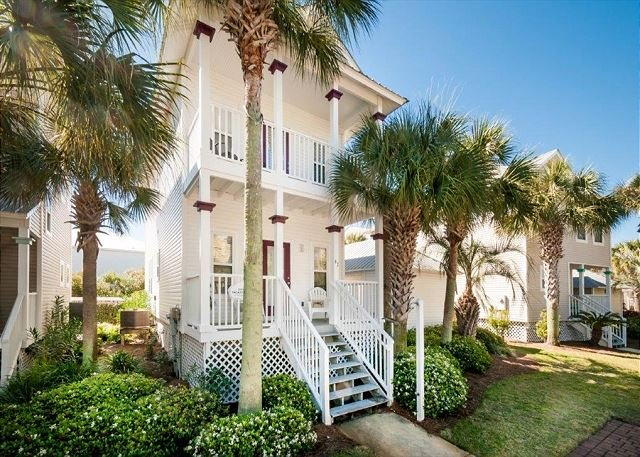 Pet Friendly in Gulfside Cottages! FREE Parasailing & Golf~, vacation rental in Miramar Beach