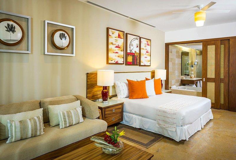 BEAUTIFUL LIVING at GRAND BLISS Studio Riviera Maya Cancun MarGan, vacation rental in Cancun