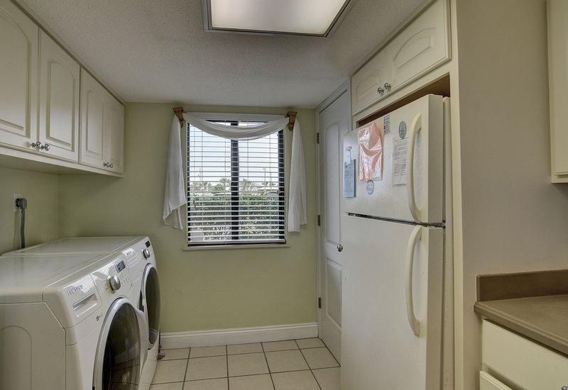 Molding,Washer,Indoors,Room,Siding