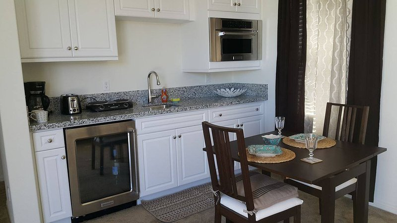 Home away from Home in Wine country, vacation rental in Lake Elsinore