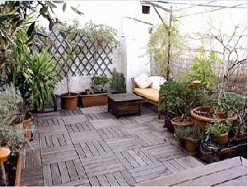 Appart. duplex centre ville avec terrasse, holiday rental in Caissargues
