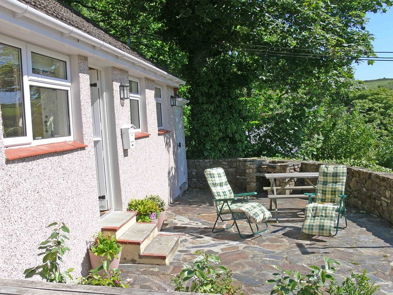Glen View Holiday Cottage, Little Haven, Pembrokeshire, alquiler vacacional en Druidston