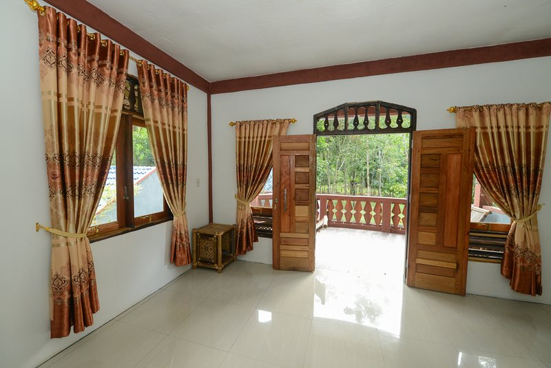 batu kapal guest house (nature place) in the middle of the jungle, holiday rental in Bukit Lawang