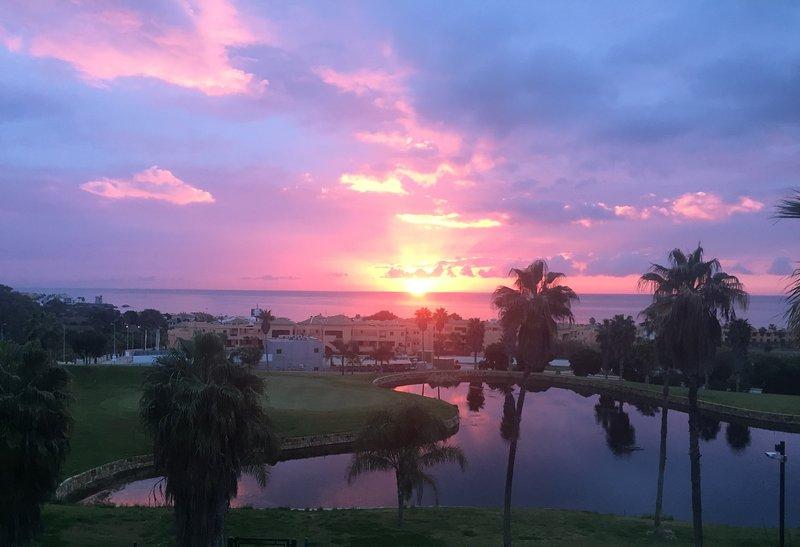 Frente Golf linha e vistas deslumbrantes sobre o mar