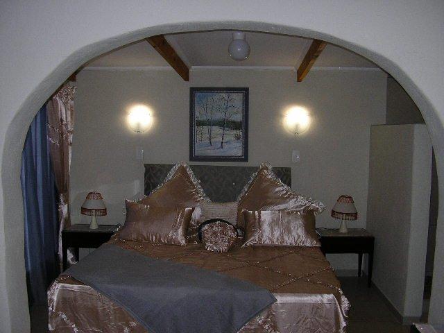 Honey Nest Resort: Iris Chalet, alquiler vacacional en Rustenburg