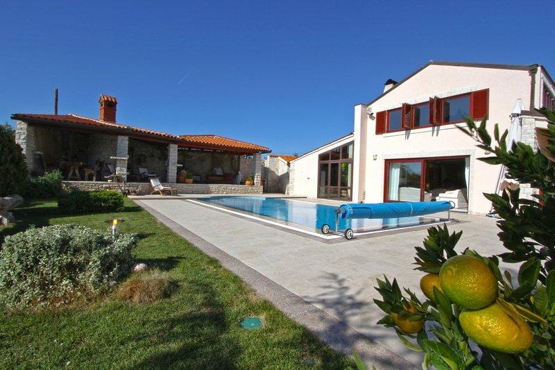 Luxo Harmony Villa com uma piscina
