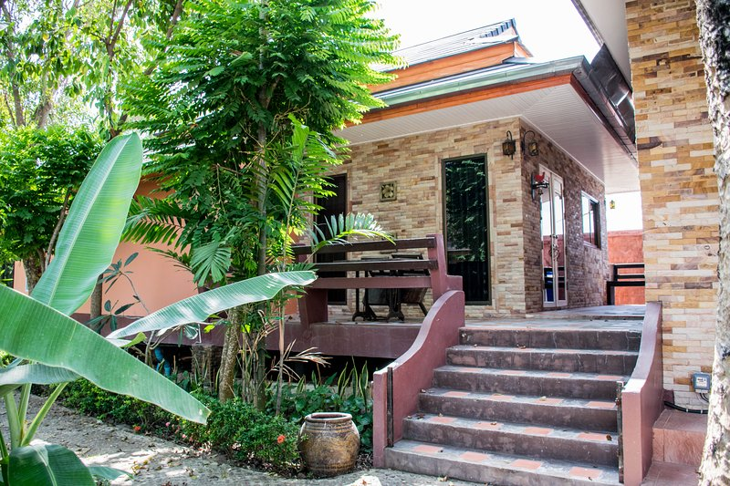 Vacation home, including housekeeper services, vacation rental in Ban Chang