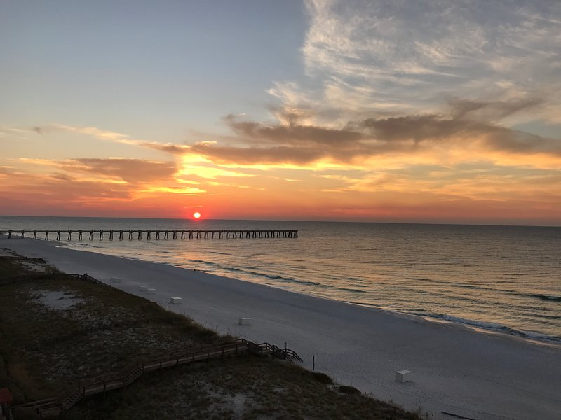 Caribbean Resort Gulf Front Two Bedroom, holiday rental in Navarre
