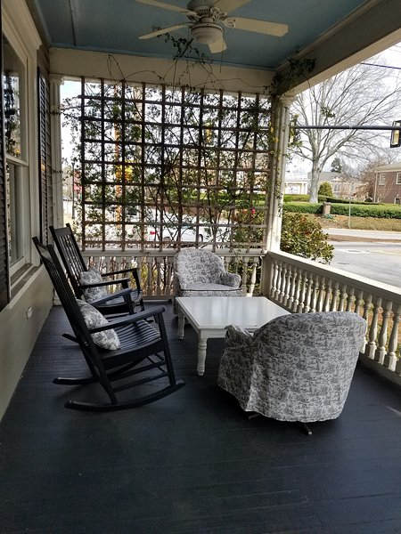The Front Porch, vacation rental in Newnan