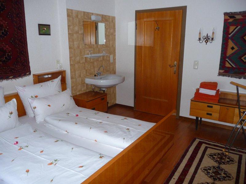 Camera da letto con lavandino supplementare - Camera da letto con un lavandino supplementare