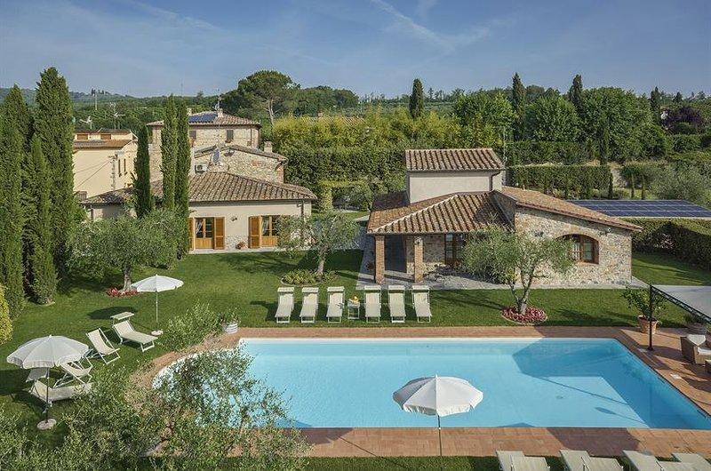 Villa Capannole Tontenano Chianti private pool 12 people, alquiler de vacaciones en Bucine