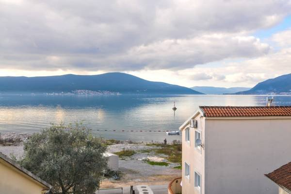 Hotel Villa Royal, vacation rental in Tivat Municipality