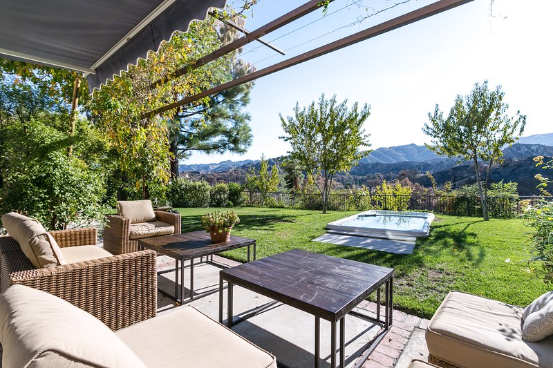 Gorgeous Modern Living, holiday rental in Simi Valley