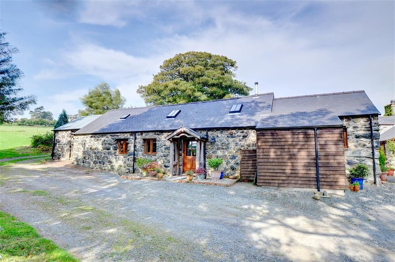 This quality cottage is converted from a barn adjacent to the owners' house at Llanegryn, in the south Snowdonia National Park