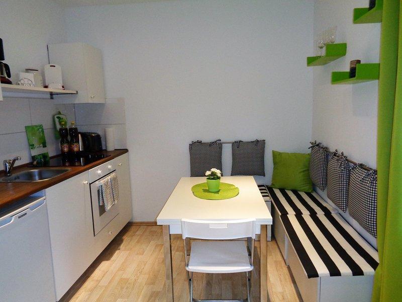 La acogedora cocina es ideal para el chat y juegos.