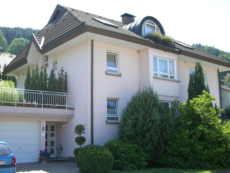 4 Sterne Ferienwohnung Haus Am Vogelsang**** in Oberried für bis zu 4 Personen, aluguéis de temporada em Kirchzarten