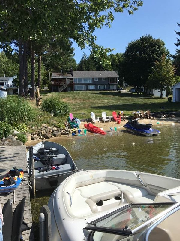 Large yard, big sandy beach, 30 ft dock